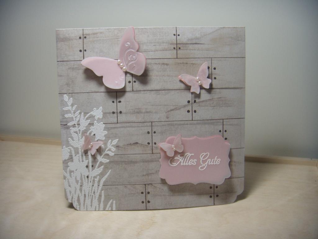 Schmetterlinge auf Holz